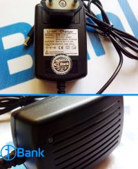 شارژر باتری اتوماتیک پریزی خروجی 12.6 ولت سوکت آداپتوری چراغ نمایشگر